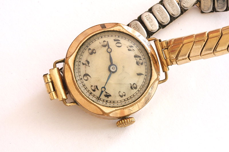 Claridge 4 jewels Swiss ladies handwind watch